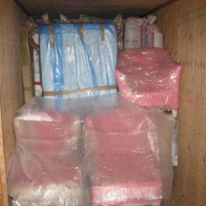 Box dedicato ai clienti, con mobili posizionati in modo sicuro e professionale, nell'ampio magazzino di Fratelli Traverso Traslochi, a Genova Rivarolo,