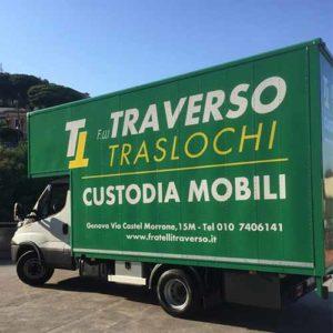 Nuovo furgone di Fratelli Traverso Traslochi, dedicato ai traslochi di grandi dimensioni, per case o uffici.