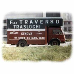 Furgone storico di Fratelli Traverso Traslochi.