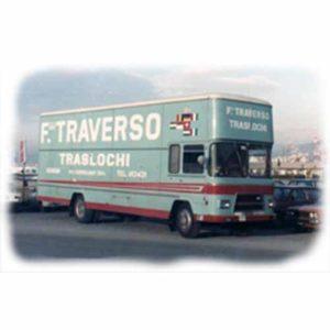 Camion storico di Fratelli Traverso Traslochi.
