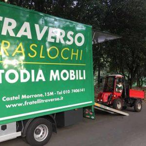 Fratelli Traverso Traslochi può aiutarvi con il vostro trasloco anche in caso di strade molto strette.
